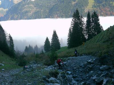@RobAng 2012 / Abfahrt von der Fläschlihöhe zum Wäggitalersee, zwischen Sihlsee & Wäggitalersee, Kanton Schwyz, CH, Schweiz/Switzerland,  25.10.2012 15:09:06