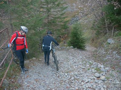 @RobAng 2012 / Abfahrt von der Fläschlihöhe zum Wäggitalersee, zwischen Sihlsee & Wäggitalersee, Kanton Schwyz, CH, Schweiz/Switzerland,  25.10.2012 15:07:07