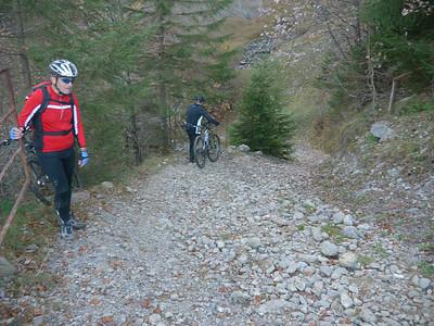 @RobAng 2012 / Abfahrt von der Fläschlihöhe zum Wäggitalersee, zwischen Sihlsee & Wäggitalersee, Kanton Schwyz, CH, Schweiz/Switzerland,  25.10.2012 15:07:12