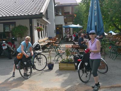 Seehausen a. Staffelsee, Seehausen am Staffelsee, 663.971 m, Deutschland /  RobAng, 2012/05/27 09:51:06