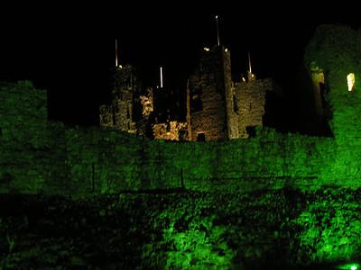 2004/08/14 22:47:41 /  ©RobAng /  Ireland / Irland / Co. Meath / Trim Castle
