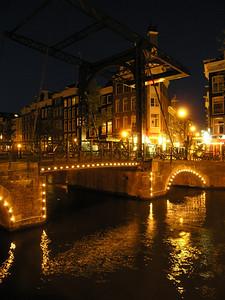 2004/07/28 21:43:40 /  ©RobAng /  Netherlands - Holland /  / Amsterdam /