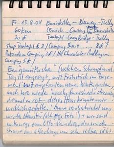 """Fr 13.8.04, 60km, 20£: Enniskillen - Blaney - Tully - (Enrich..Cruising) - backto Enniskillen - Taulaught - Carry Bridge - Tully Ein """"gemütlicher"""" (welch Schimpfwort..) Tag ist angesagt, mit Frühstück im """"basement"""" vor angebautem neuen Wintergarten, auch hier wieder """"nicely furnished + decorated"""", diesmal in rot - dieses Haus könnte mir wirklich gefallen! Anne verabschiedet uns vor der Haustür (obligates Foto!) und wir sind unterwegs zum """"Otto-Paradies"""", das von der Strasse aus allerdings nur sehr selten sichtbar wird - zu viele Halbinseln verdecken die Sicht auf den Lower Lough Erne. Nachdem wir zwischen Blaney + Tully dem Schild """"Encurragh Holiday Camp"""" folgen, verstehen wir Otto aber schnell; an traumhafter Lage, den See offen vor sich, liegen die Cottages und die Marina von....., der uns gleich auf einen Kaffee einlädt und einigen irische Humor an den Tag legt. Leider ist aber nichts frei (wäre auch ein Wunder gewesen..) - also zurück nach Enniskillen und Reservation eines Hotels direkt am Upper Lake. Wir wir dieses dann in Natura sehe, schleichen wir aber wieder ab und legen noch einige Kilometer zwischen uns und den """"Sündenfall""""."""