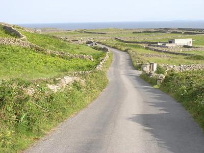2004/08/07 08:42:02 /  ©RobAng /  Ireland - Irland / Aran Islands - Co. Galway / Inishmore
