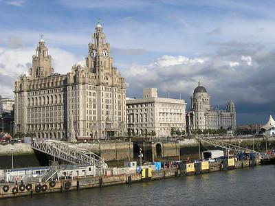 2004/08/16 17:54:52 /  ©RobAng /  England /  / Liverpool
