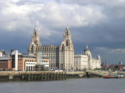 2004/08/16 17:52:07 /  ©RobAng /  England /  / Liverpool