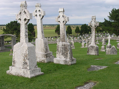 2004/08/04 17:54:55 /  ©RobAng /  Ireland - Irland / Co Offaly / Clonmacnoise