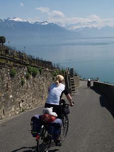 Ostern 09 - per Velo rund um den Genfersee und via Bonneville nach Annecy / Aufnahmeort  Chexbres (467.5 m), Chexbres, Schweiz /  ©  Rob Tani
