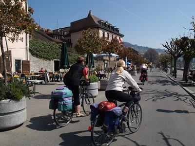 Ostern 09 - per Velo rund um den Genfersee und via Bonneville nach Annecy / Aufnahmeort  Lutry (385.6 m), Grandvaux, Schweiz /  ©  Rob Tani