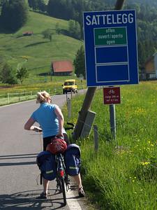 ©RobAng 2009/05/23 09:31:28, Einsiedeln, 889.3 m // Velotour  Auffahrt 09 - Türlersee-Aegerisee-Raten-Sihlsee-Sattelegg-Wäggitalersee