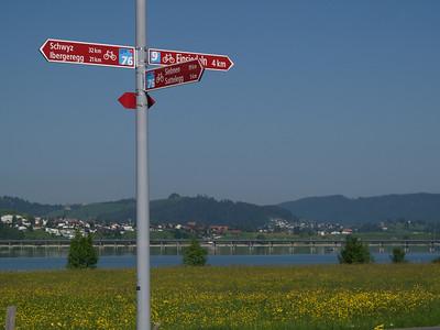 ©RobAng 2009/05/23 09:29:50, Einsiedeln, 892.7 m // Velotour  Auffahrt 09 - Türlersee-Aegerisee-Raten-Sihlsee-Sattelegg-Wäggitalersee