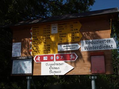 ©RobAng 2009/05/23 10:04:17, Sattelegg Passhöhe, 1181.3 m // Velotour  Auffahrt 09 - Türlersee-Aegerisee-Raten-Sihlsee-Sattelegg-Wäggitalersee