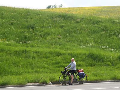 ©RobAng 2009/05/22 15:57:15, Raten Passhöhe, 1006.5 m // Velotour  Auffahrt 09 - Türlersee-Aegerisee-Raten-Sihlsee-Sattelegg-Wäggitalersee