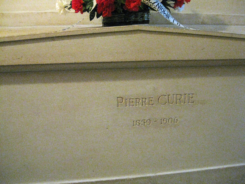 Panthéon Crypt Pierre Curie 2009-09-20_17-06-17