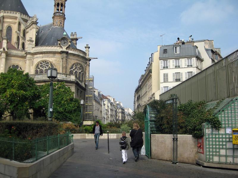 Rue Montmartre from Les Halles  2009-09-20_12-42-13