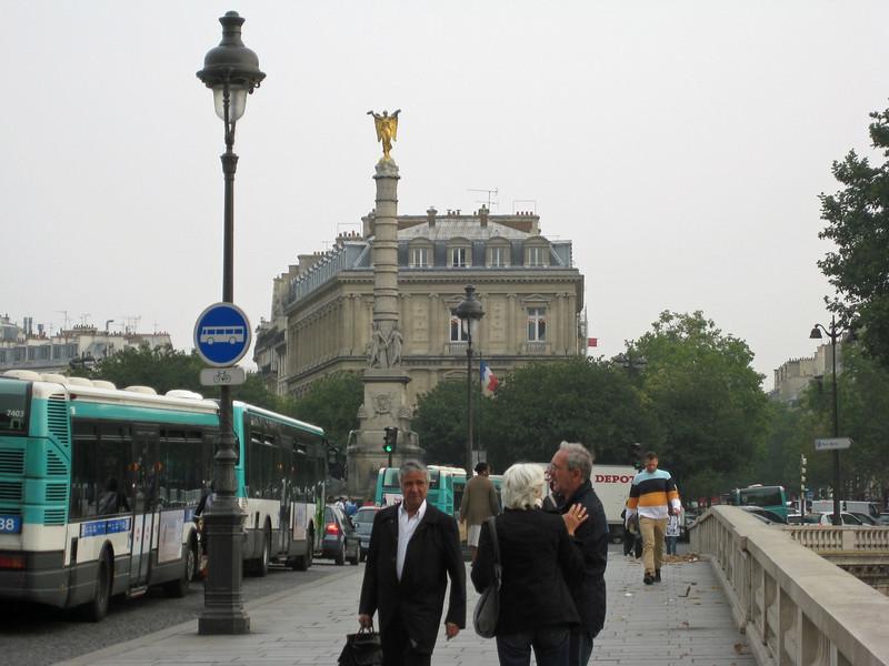 Place du Châtelet 2009-09-21_10-35-59