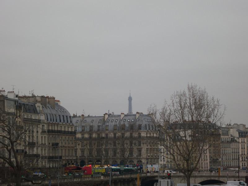 Tour Eiffel adobe the Left Bank<br /> Paris - 2013-01-09 at 14-12-48