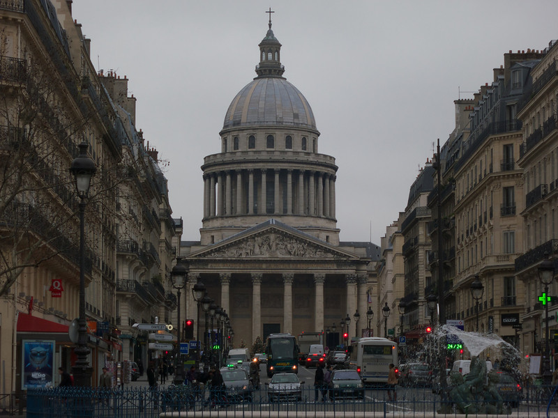 THe Pantheon at the end of Rue Soufflot<br /> Paris - 2013-01-09 at 10-22-25