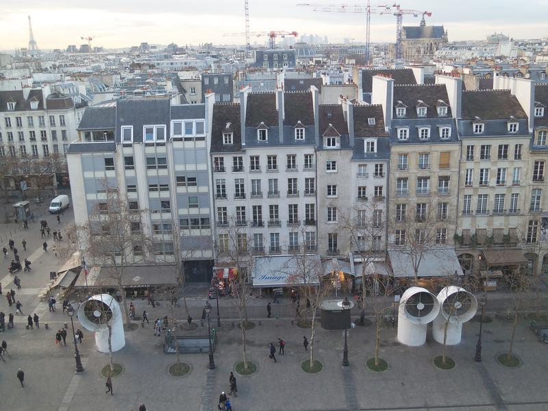 Pompidou plaza<br /> Paris - 2013-01-11 at 16-21-41