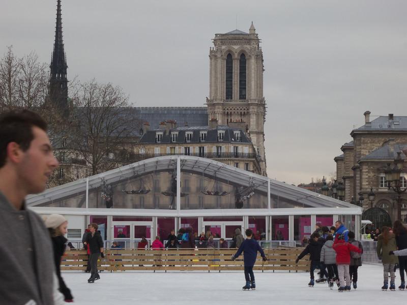 Notre Dame over the Skate Pavollion<br /> Paris - 2013-01-11 at 15-42-54