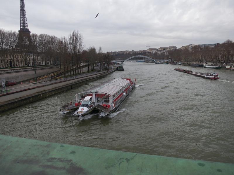 River Traffic<br /> Paris - 2013-01-12 at 14-04-43