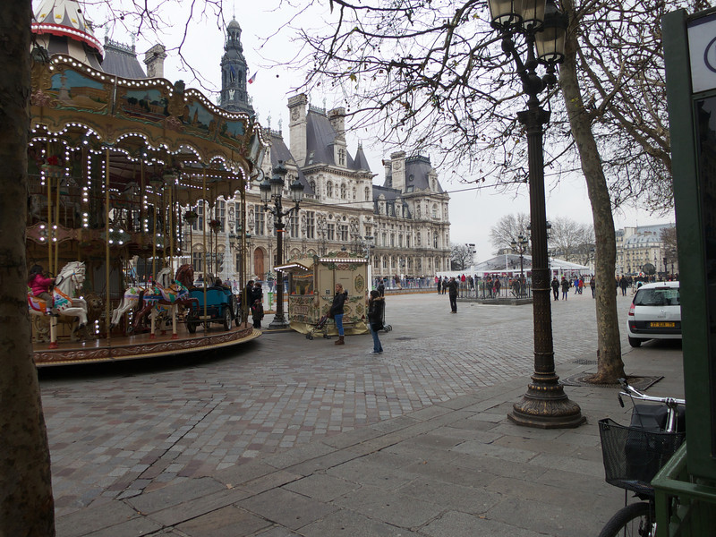 Caroussel and Ice Rink at the Hotel de Ville<br /> Paris - 2013-01-13 at 13-40-50