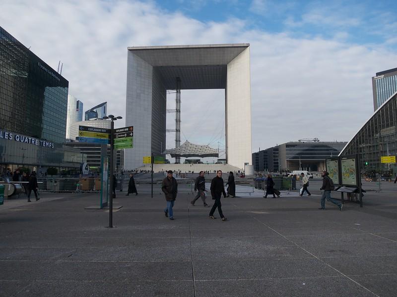 The Grande Arche de la Defence<br /> Paris - 2013-01-14 at 12-58-52