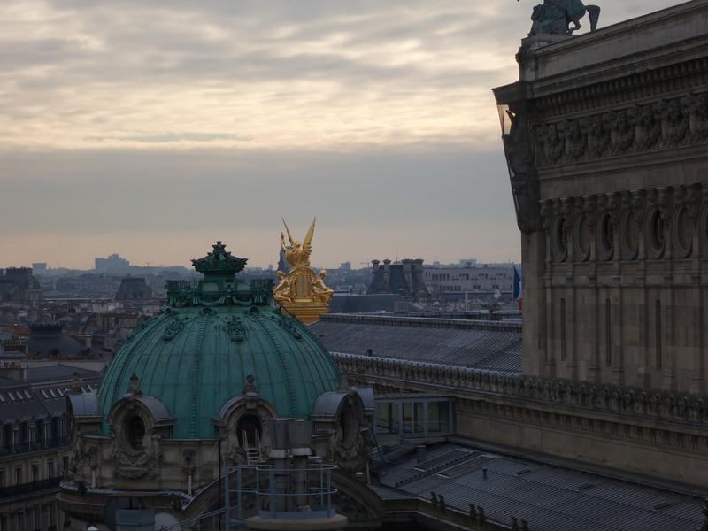 Cornice<br /> Paris - 2013-01-14 at 14-17-49