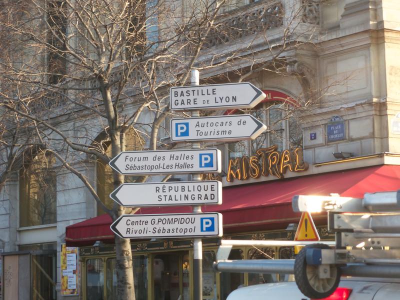 Sebastapol? Stanlingrad? Is this France or Russia?<br /> Paris - 2013-01-14 at 10-50-52