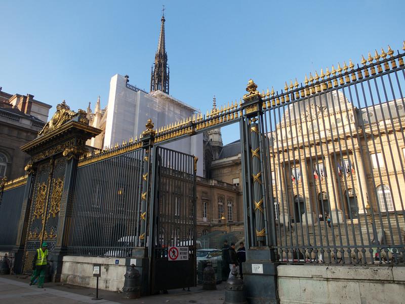 The Exit gate<br /> Paris - 2013-01-14 at 10-42-46