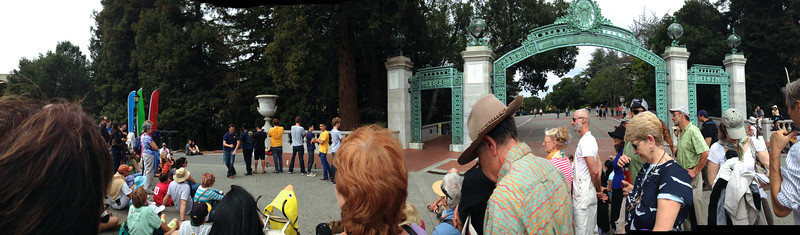 UC Men's Octet at Sather Gate<br /> Fall Free for All 2013-09-29 at 12-39-33