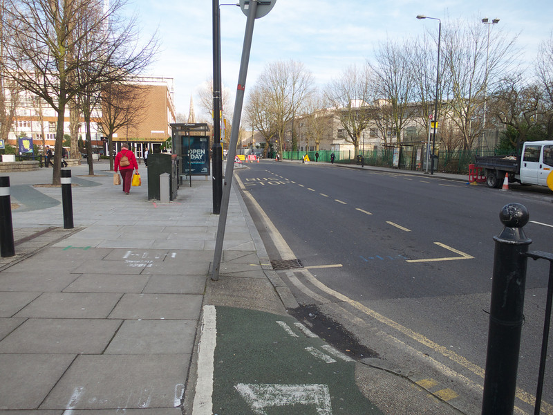 Closer view of the curb cut<br /> London - 2014-02-03 at 15-01-13
