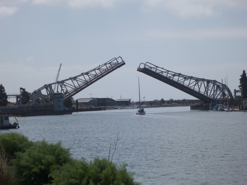 The High Street Bridge raised for a boat passage<br /> Oakland  2014-04-12 at 11-19-06