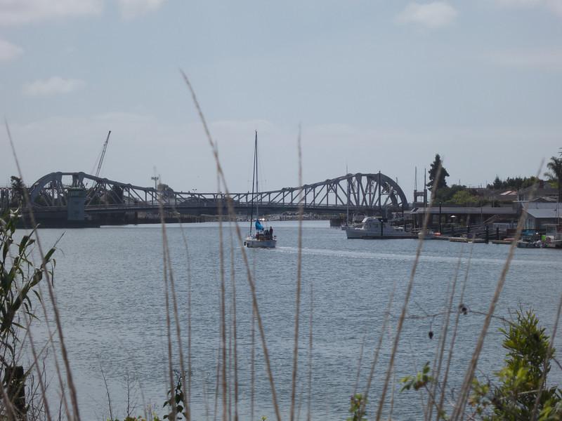 The High Street Bridge<br /> Oakland  2014-04-12 at 11-17-46