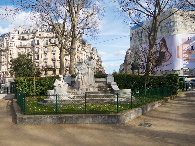 Square Boucicaut<br /> Paris - 2015-02-22 at 14-16-19