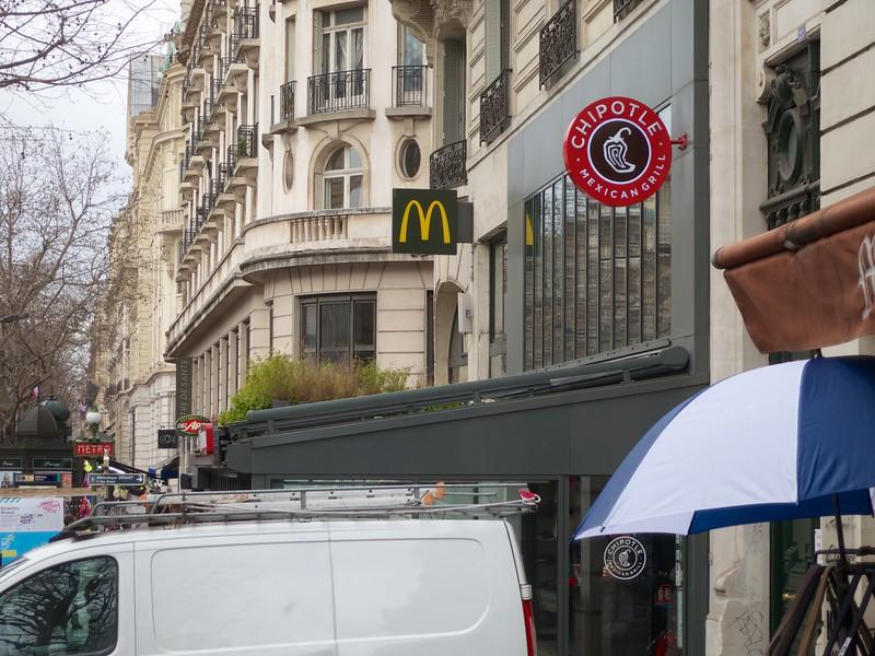 The American invasion<br /> Paris - 2015-02-24 at 12-41-52