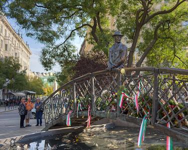 Imre Nagy Bridge Statue
