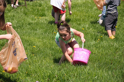 Easter Egg Hunt 032