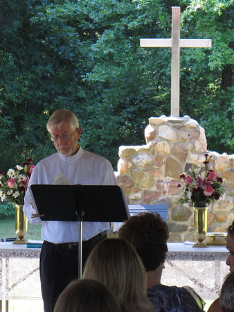 TL Church in Vermilion has a beautiful Outside Service August 25, 2013