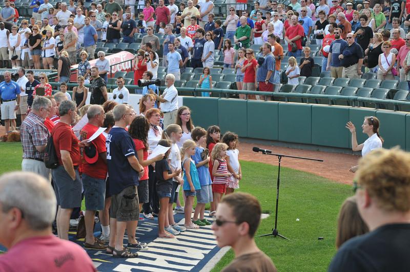 St Paul's Choir (plus a few extras) sings the Star Spangled Banner.