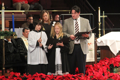 Gunter Family lighting the Advent candle