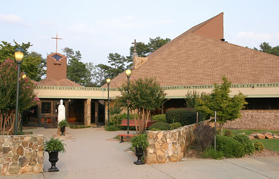 St. Patrick Church, Norcross, celebrated its 40th anniversary with a special eucharistic liturgy, Aug. 25.
