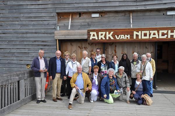 2013-07-01 Medewerkers Chr Boekwinkel De Smidse naar de Ark van Noach