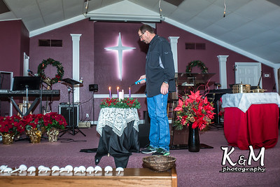2016-12-24 Christmas Eve Service (3 of 24)