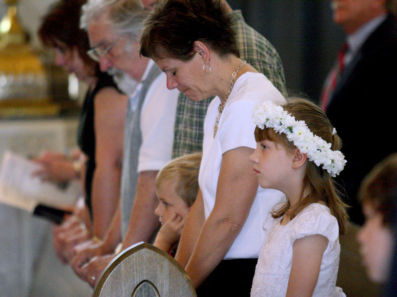 E.L. Hubbard photography<br /> Catie Goeller, First Communion<br /> Holy Trinity 150th
