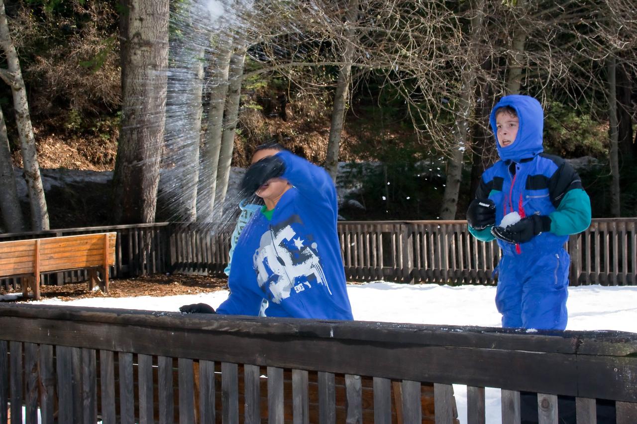 2010 - Jan - 15-17 - Jr High Winter Retreat-6651
