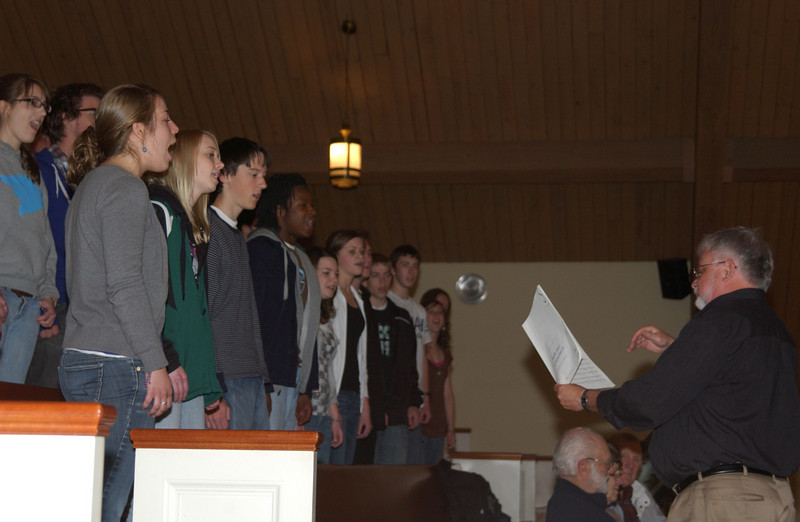 Concert at CD -  CD Touring Choir thanking the Swiss choir in song