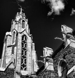 flag_church_straighten_bw