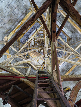 Looking up into the spire. The tallest in Britain at 404 feet.