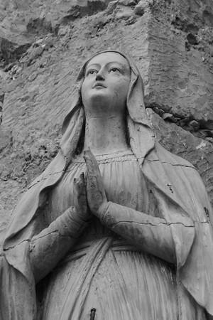 Statue, San Carlos Borromeo de Carmelo, Carmel, CA.